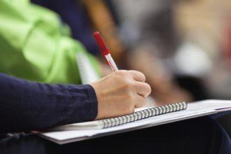 Egal, ob im Onlineseminar oder bei der klassischen Schulung – Gute Mitschriften sind unerlässlich.